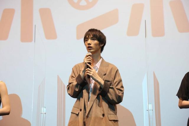 アニメ映画『映画大好きポンポさん』初日舞台あいさつに登場した加隈亜衣の画像