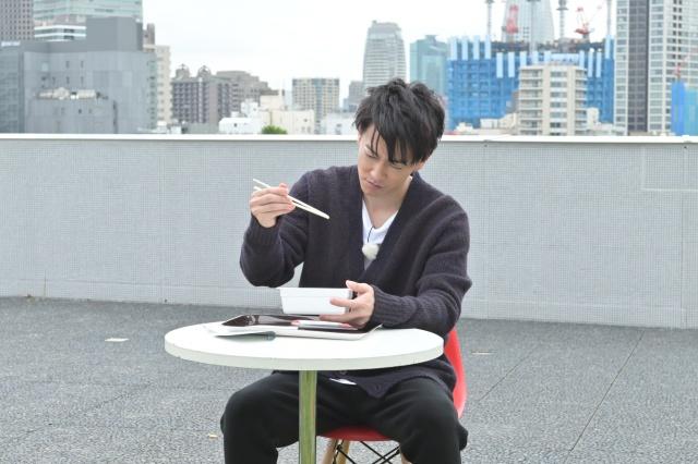 6日放送のテレビ朝日系『テレビ千鳥』に佐藤健が再び出演 (C)テレビ朝日の画像