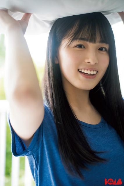 『BOMB』7月号裏表紙に登場する乃木坂46・大園桃子の画像