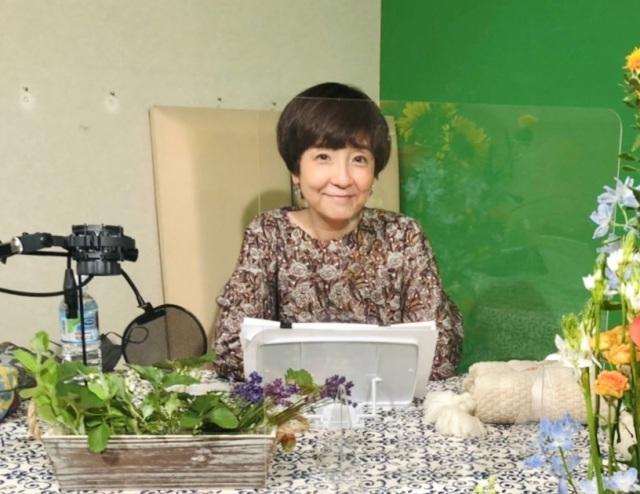 末期がん闘病中の女性が脚本を執筆した音声ドラマ『また会えたときに』で主演を務めた藤田朋子の画像