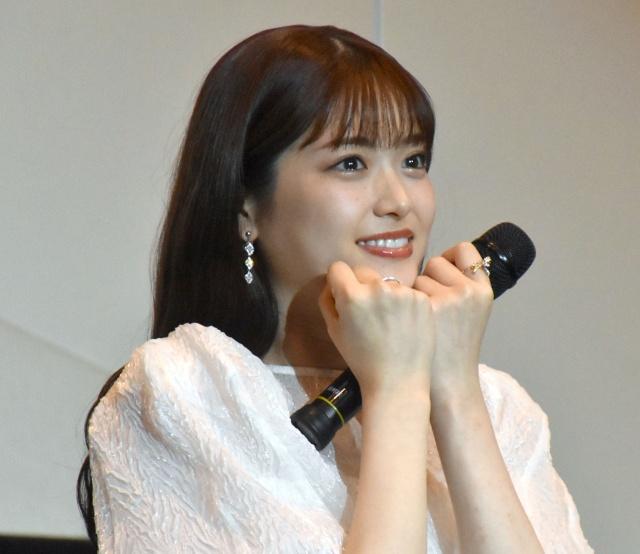 全力笑顔で「テへっ」アイドルスマイルを見せた松村沙友理 (C)ORICON NewS inc.の画像