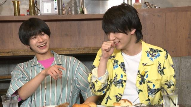 TBS系バラエティー『よるのブランチ』に出演するLil かんさいの嶋崎斗亜、西村拓哉 (C)TBSの画像
