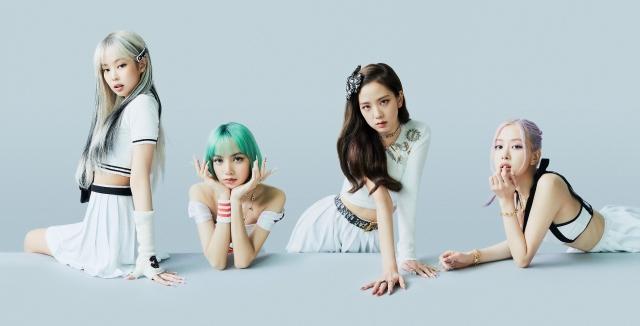 新ビジュアルを公開したBLACKPINK(左から)ジェニー、リサ、ジス、ロゼの画像