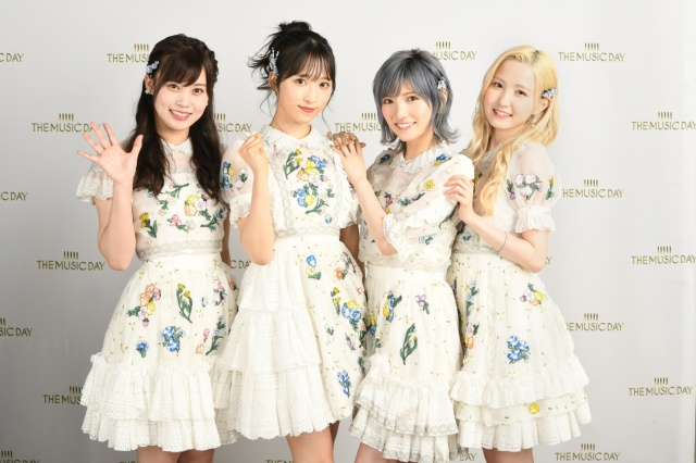 """音楽特番『THE MUSIC DAY』でモーニング娘。'21と""""対バン""""形式でコラボしたAKB48(C)日本テレビの画像"""