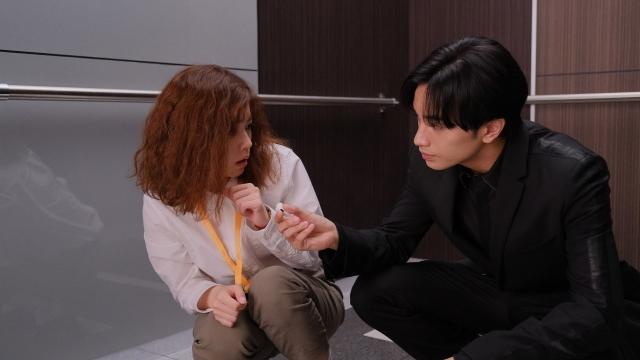 新火9ドラマ『彼女はキレイだった』第1話に出演する小芝風花、中島健人(Sexy Zone) (C)カンテレの画像