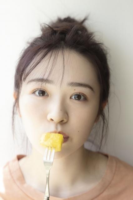 乃木坂46・渡辺みり愛1st写真集先行カット 撮影/彦坂英治の画像