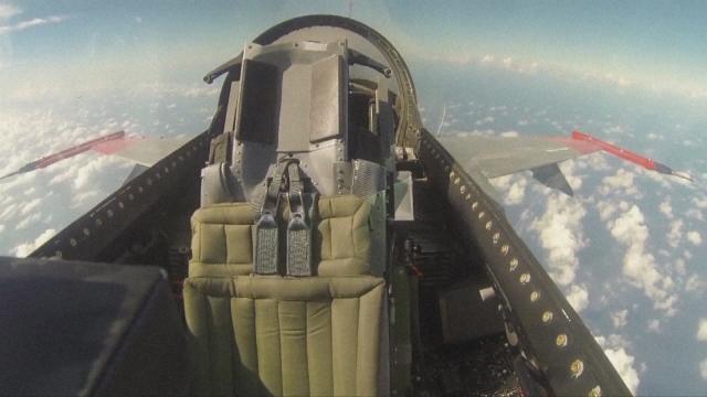 無人運転の実験映像(画像提供:米軍 )の画像