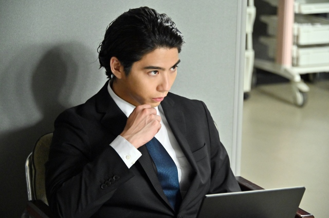 『TOKYO MER~走る緊急救命室~』に出演する賀来賢人 (C)TBSの画像