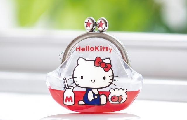 "『HELLO KITTY なつかしのアイテムコレクション』創刊号付録、キティの""デビュー""アイテム「プチパース」復刻再現の画像"