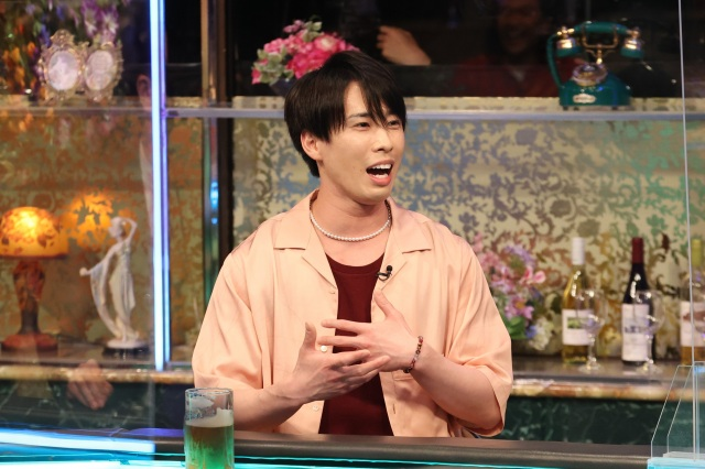 16日放送『人志松本の酒のツマミになる話』に出演するSnow Manの宮舘涼太 (C)フジテレビの画像