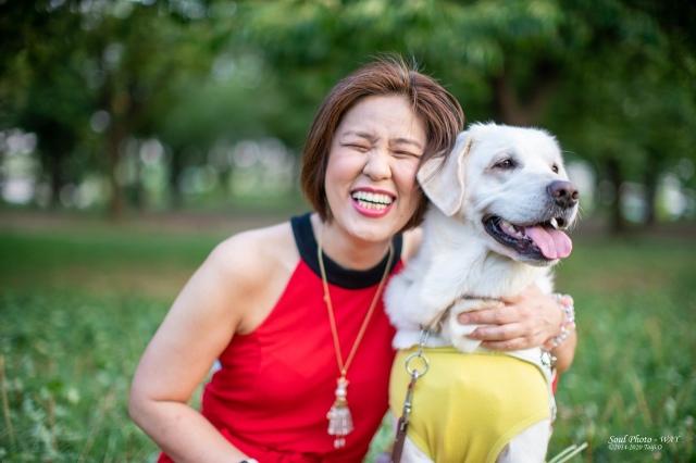 浅井純子さんと盲導犬ヴィヴィッドくん 撮影/オオツキwayタイジの画像