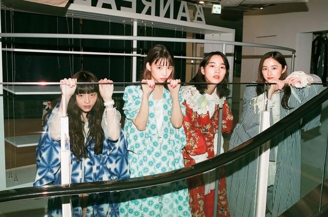 『装苑』9月号に登場する(左から)モトーラ世理奈、森川葵、のん、堀田真由 撮影:川島小鳥の画像