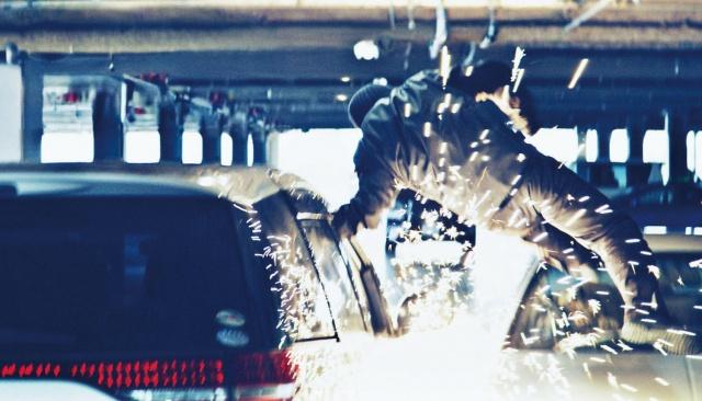 映画『ザ・ファブル 殺さない殺し屋』(C)2021「ザ・ファブル殺さない殺し屋」製作委員会の画像