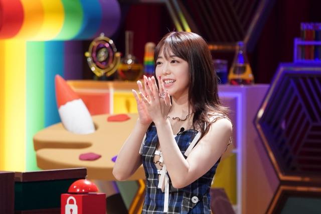 『クイズ!あなたは小学5年生より賢いの?』に出演する峯岸みなみ (C)日本テレビの画像
