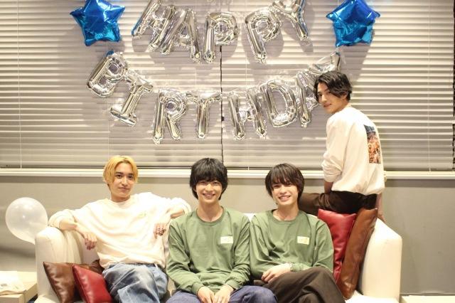 イベント『Jin Suzuki 22nd Birthday Event』に登場した(左から)松岡広大、鈴木仁、兵頭功海、渡邊圭祐の画像