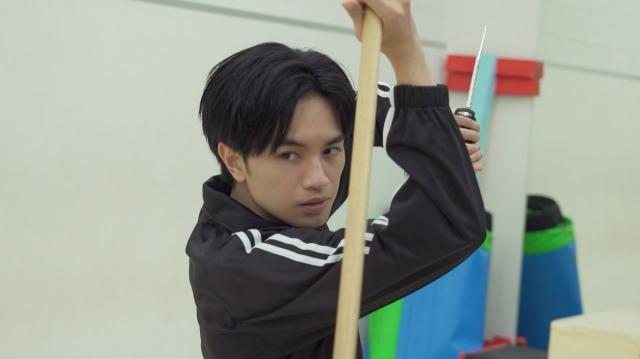 9月3日放送のWOWOW『中島健人の今、映画について知りたいコト。』ではアクションに挑戦(C)WOWOWの画像