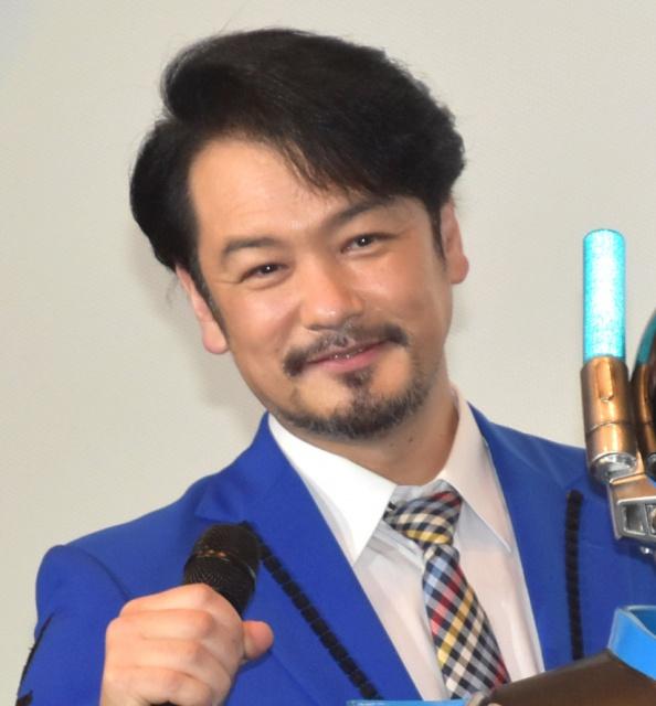 MCの山本康平をイジり倒した純烈・小田井涼平  (C)ORICON NewS inc.の画像