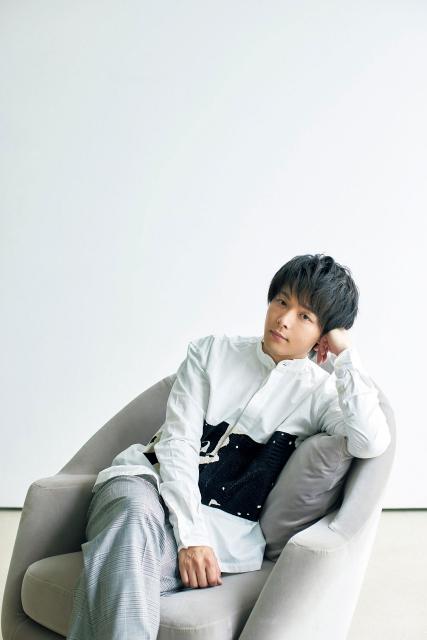 『CLASSY.』10月号に登場する中村倫也の画像