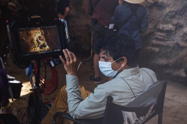 コロナ禍で撮影した最新作『オールド』が公開中のM・ナイト・シャマラン監督 (C)2021 Universal Studios. All Rights Reserved.の画像