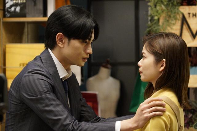 31日放送『彼女はキレイだった』に出演する(左から)中島健人、小芝風花 (C)カンテレの画像