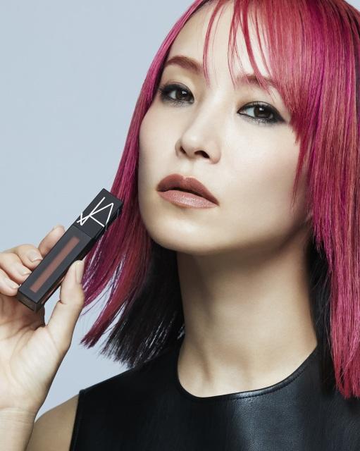 『NARS JAPAN』2021年秋リップアイテムのキャンペーンモデルに起用されたLiSAの画像