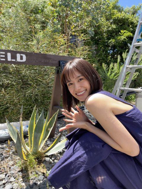 Novelbrightの新曲「優しさの剣」のMVに出演している吉田志織の画像