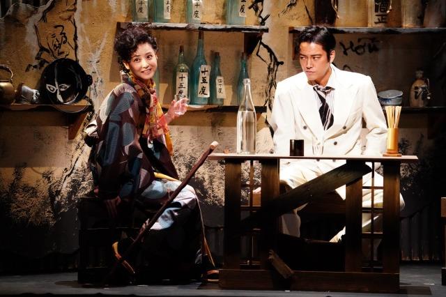 舞台『醉いどれ天使』公演中の様子 【撮影:田中亜紀】の画像