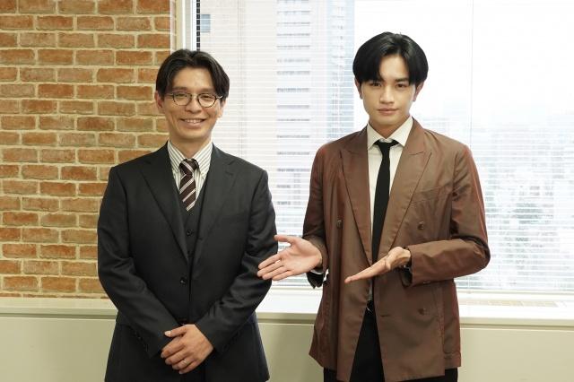 『彼女はキレイだった』の第9話に出演する赤ペン瀧川(左)と主演の中島健人(C)カンテレの画像