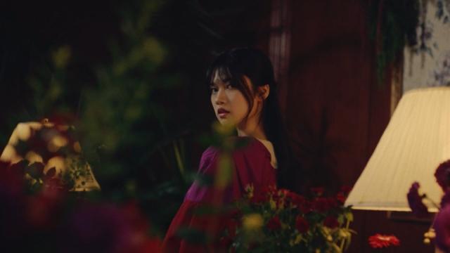 乃木坂46 28thシングル アンダー曲「マシンガンレイン」MV公開(写真はセンターの寺田蘭世)の画像