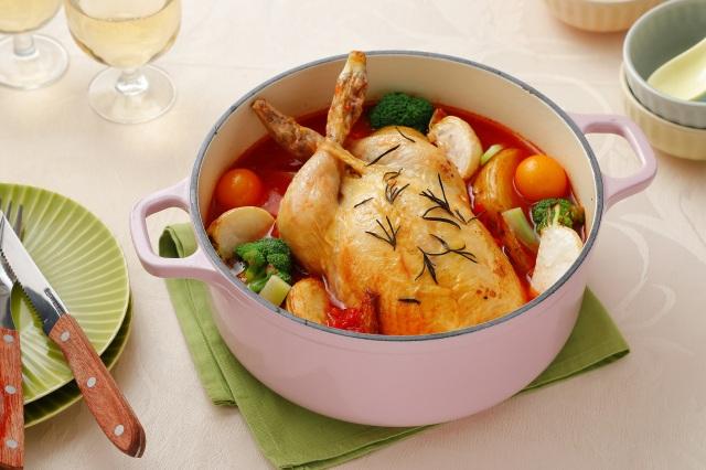 2021年『トレンド鍋』のまるごと鶏のうま味トマト鍋の画像
