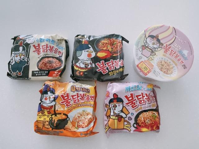 プルダック、人気の味5種類を食べ比べしてみた(撮影:二俣愛子)の画像