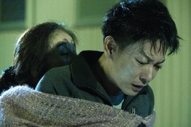 利根(佐藤健)=映画『護られなかった者たちへ』(10月1日公開) (C)2021映画「護られなかった者たちへ」製作委員会の画像