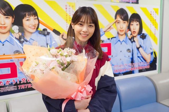 クランクアップを迎え、笑みを浮かべる西野七瀬 (C)日本テレビの画像