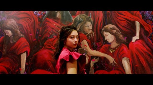 田村保乃が初センターを務めた櫻坂46の3rdシングル「流れ弾」MVの画像