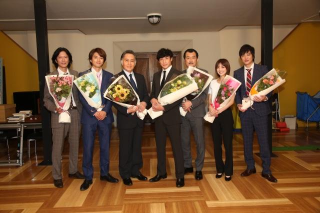 『刑事7人』が7人そろってクランクアップ (C)テレビ朝日の画像