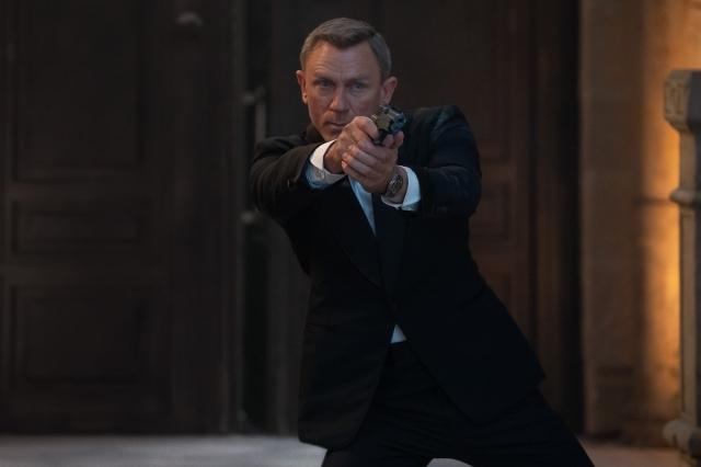 """ダニエル・クレイグ、最後の""""ジェームズ・ボンド"""" 映画『007/ノー・タイム・トゥ・ダイ』(10月1日公開)(C)Danjaq, LLC and Metro-Goldwyn-Mayer Studios Inc.All Rights Reserved.の画像"""