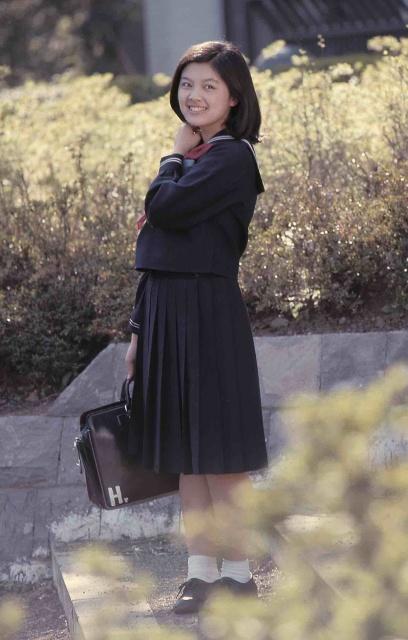 70年代アイドル林寛子がセーラー服姿で微笑むお宝ショットの画像
