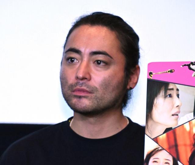 同日公開の別映画アピールで会場を笑わせた山田孝之 (C)ORICON NewS inc.の画像