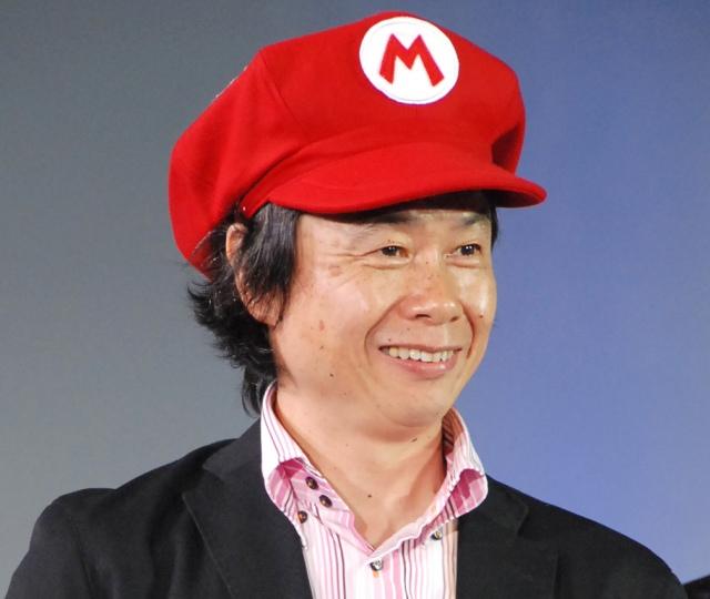 マリオシリーズの生みの親として知られる任天堂代表取締役フェローの宮本茂氏の画像