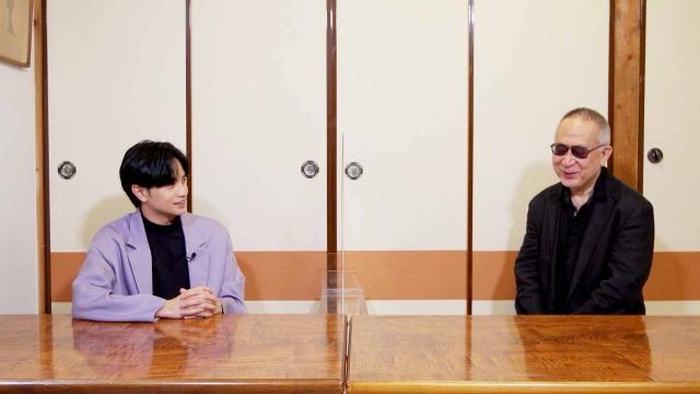 WOWOW『中島健人の今、映画について知りたいコト。』#10より(左から)中島健人、小泉堯史(C)WOWOWの画像