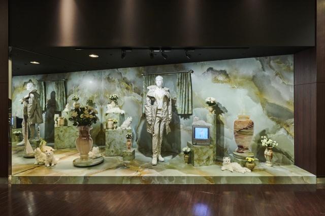現代芸術家の江頭誠氏が、阪急メンズ大阪と東京のデコレーションをジャック(撮影:松下二郎)の画像