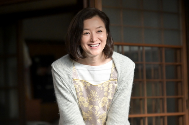 『おかえりモネ』で百音の母・亜哉子を演じている鈴木京香(C)NHKの画像