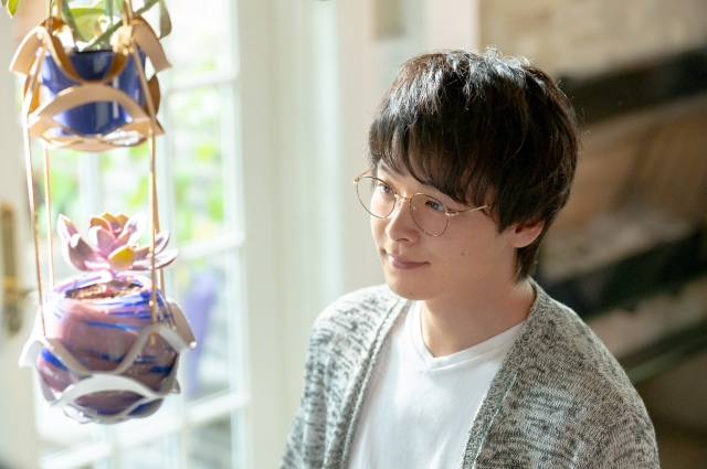『#ルマンド男子』シリーズ新TVCM「ルマンドと、いつもいっしょに。」篇に出演する中村倫也【オリコン独占カット】の画像
