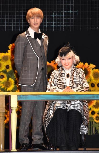 ジャニーさん&メリーさんへ思いを語った(左から)藤井流星、黒柳徹子 (C)ORICON NewS inc.の画像