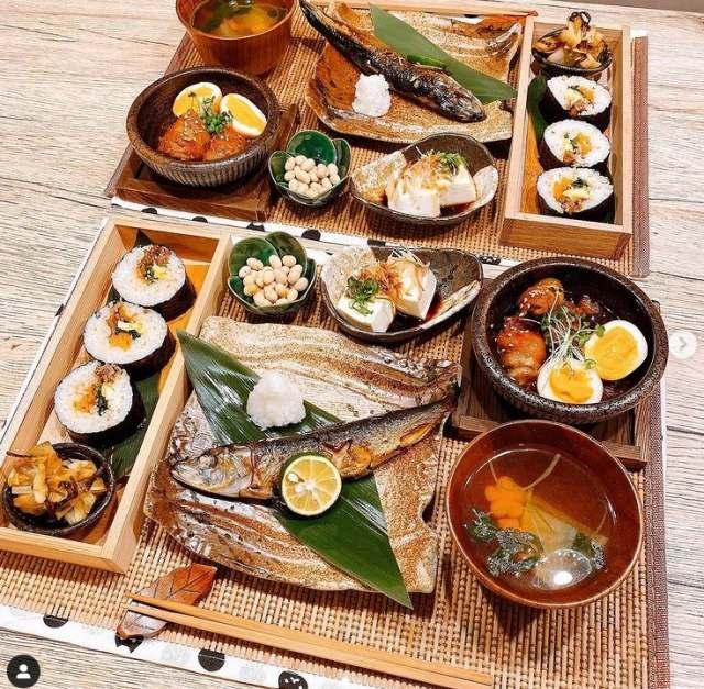 食器から料理を決めるのがこだわりの一つだという(画像提供:きなこめしさん)の画像