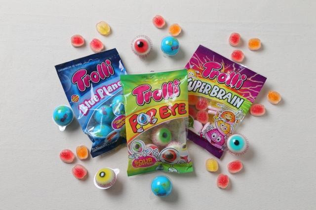 ドイツのお菓子ブランド「Trolli(トローリ)」の『目玉グミ』と『地球グミ』の画像