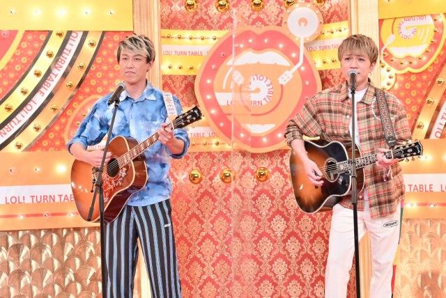 5日放送の『歌ネタゴングSHOW 爆笑!ターンテーブル』に出演する(左から)しんいち、神山智洋(C)TBSの画像