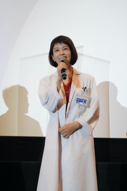 『科捜研の女 -劇場版-』京都の上映劇場で凱旋舞台あいさつを行った沢口靖子の画像