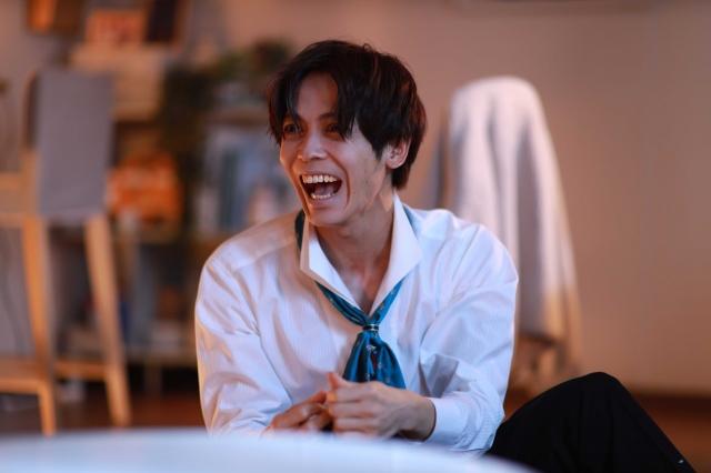10月クール土曜ナイトドラマ『言霊荘』の第1話にゲスト出演する猪塚健太(C)テレビ朝日の画像