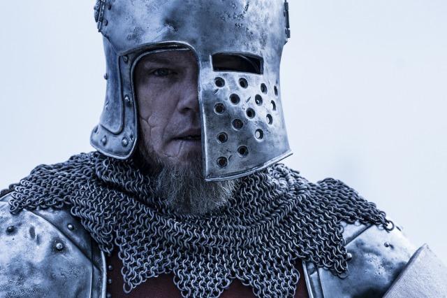 映画『最後の決闘裁判』(10月15日公開)あえて前面を半分切り取ったヘルメットを映画用に用意 (C) 2021 20th Century Studios. All Rights Reserved.の画像